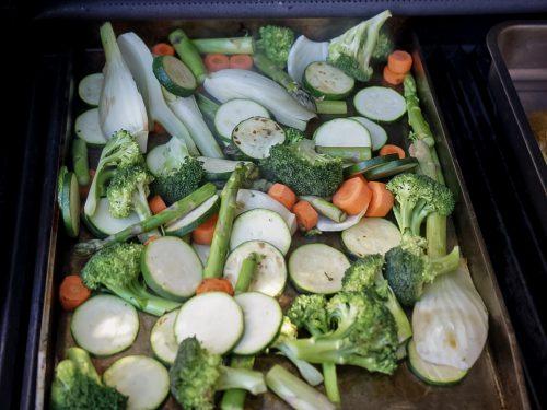 Gemüse auf der Grillplatte