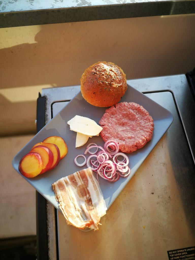 Zutaten für den Grilled Peach Burger