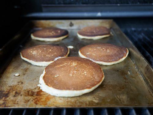 Pancakes von der Grillplatte