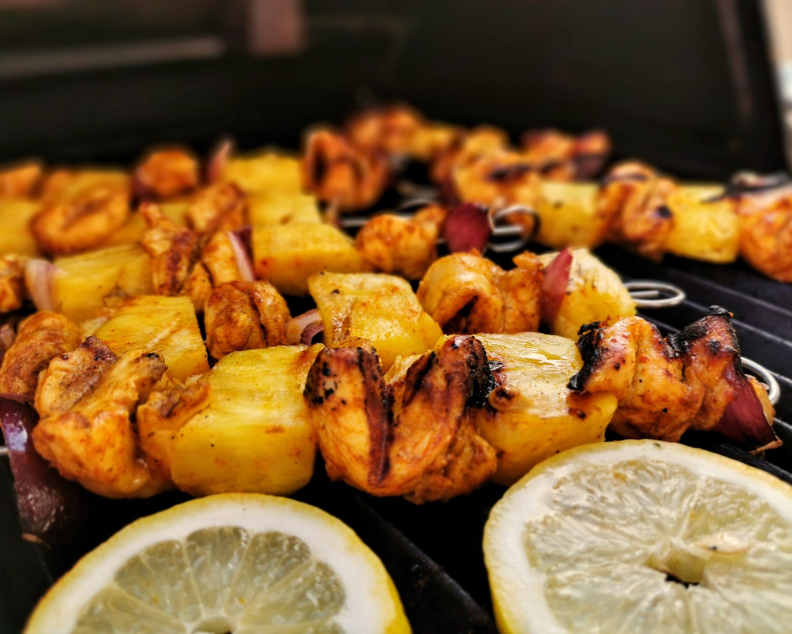 Grillspieße mit Hähnchen in Currymarinade