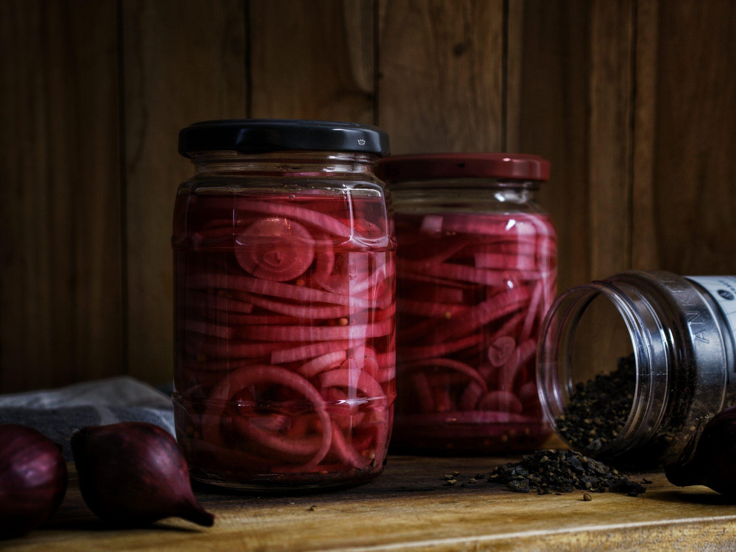Rezept für quick pickled onions eingelegte Zwiebeln